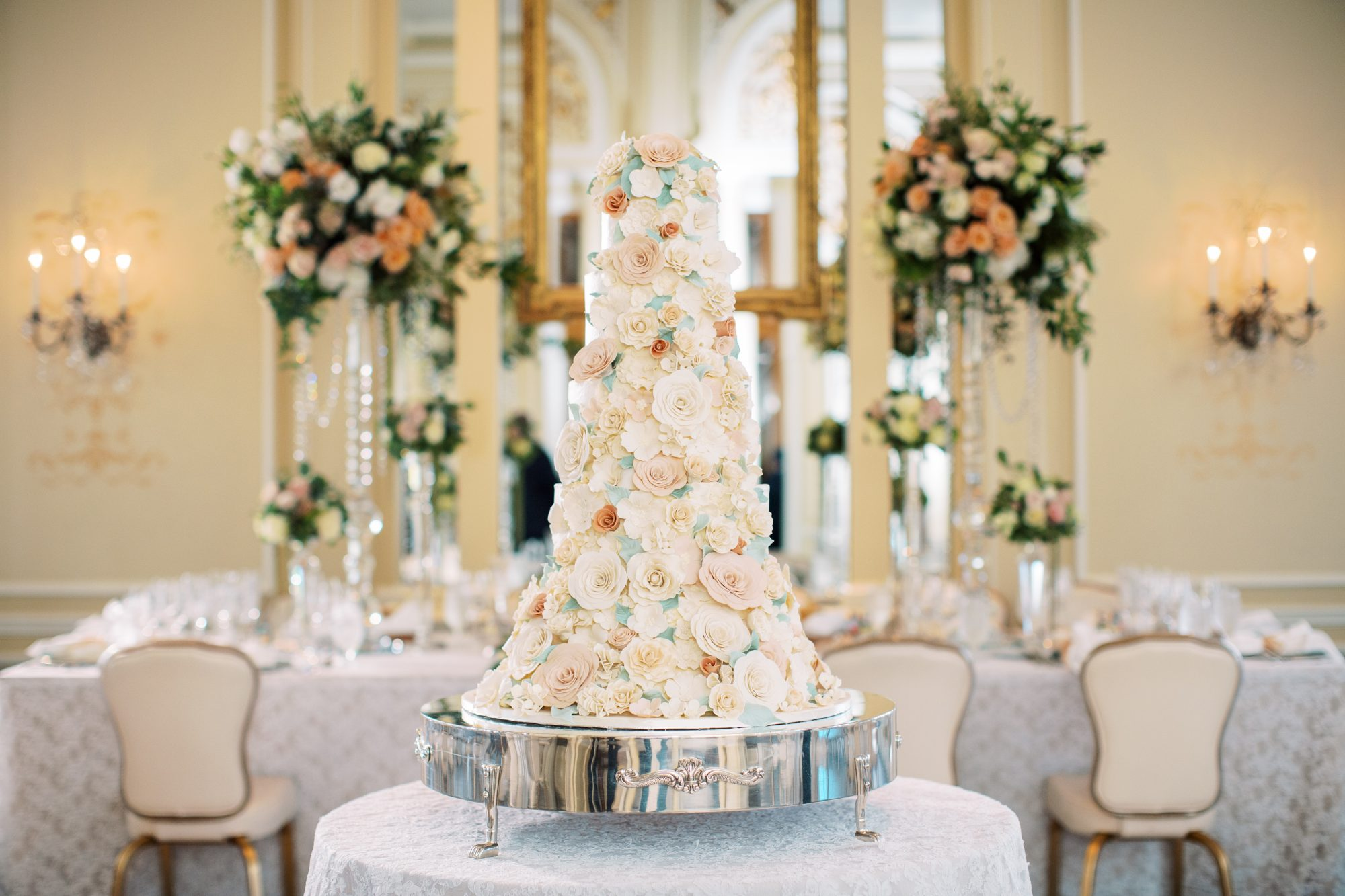erinn andrew wedding cake with floral design