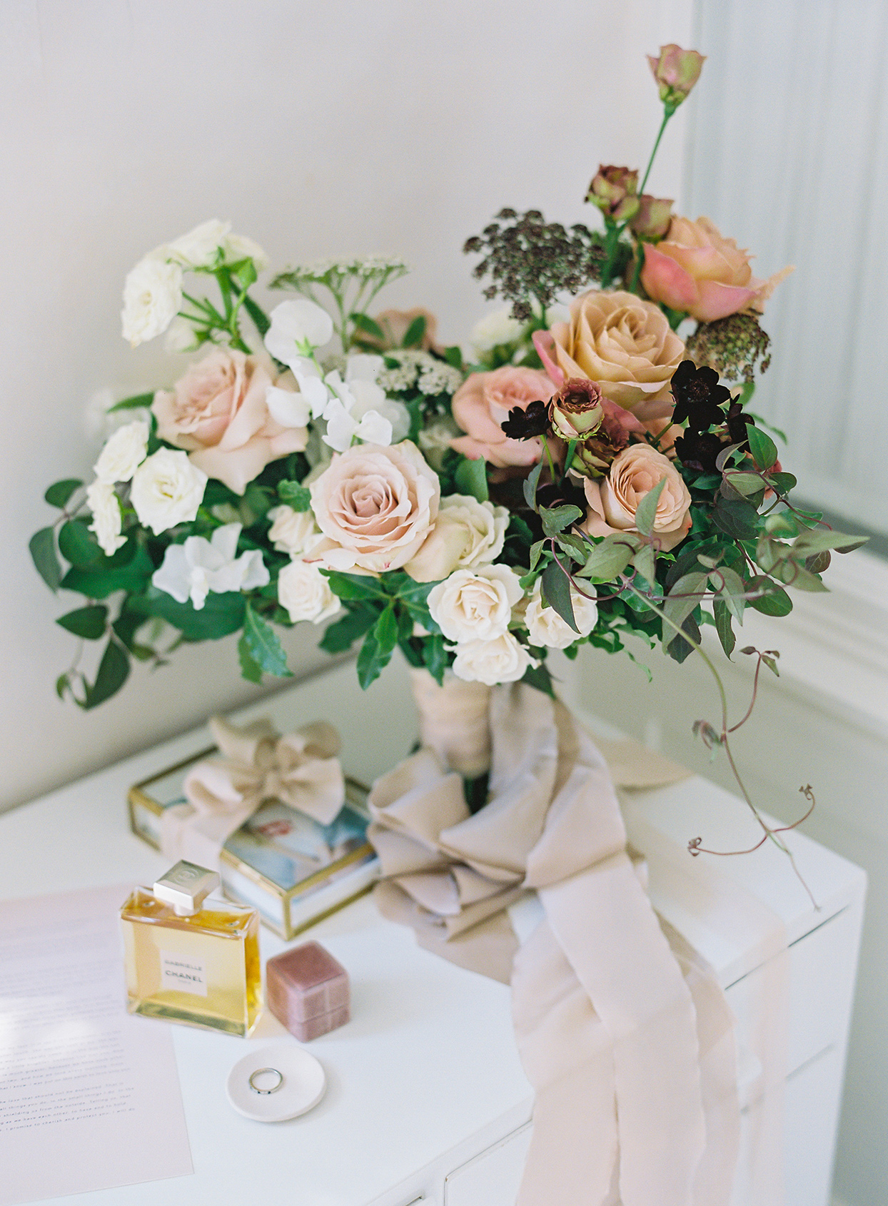 laura alexander wedding bouquet neutral pinks