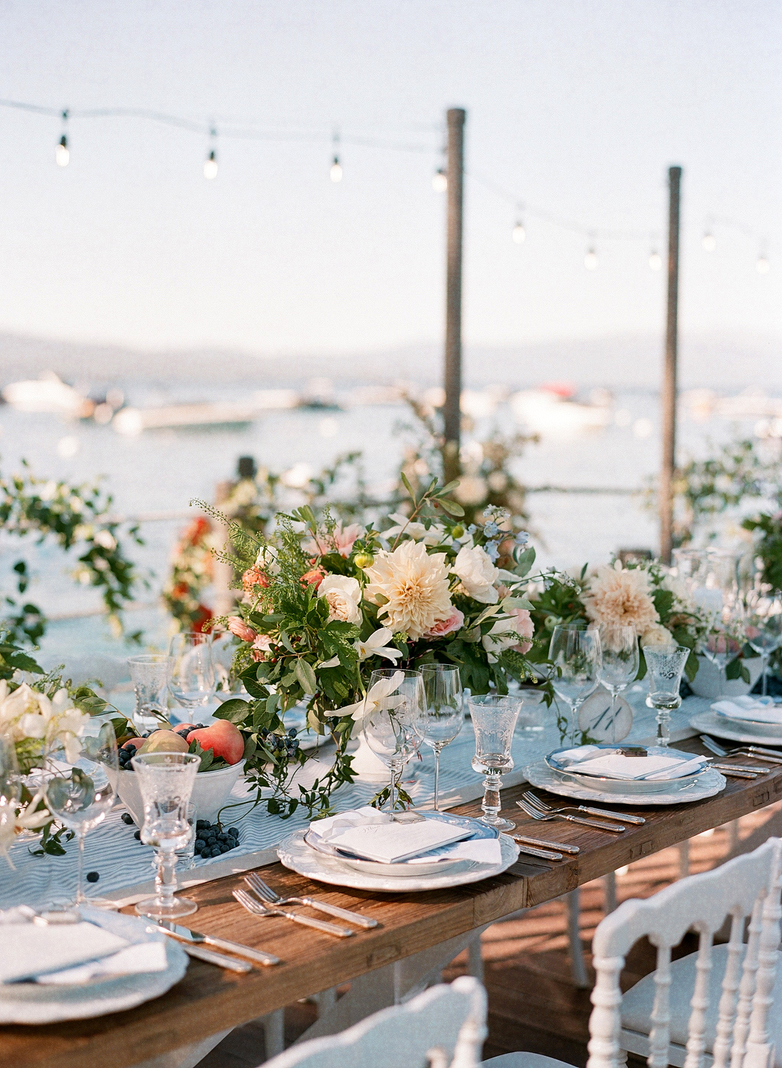 Natalie and Grant wedding outdoor tablescape and centerpieces