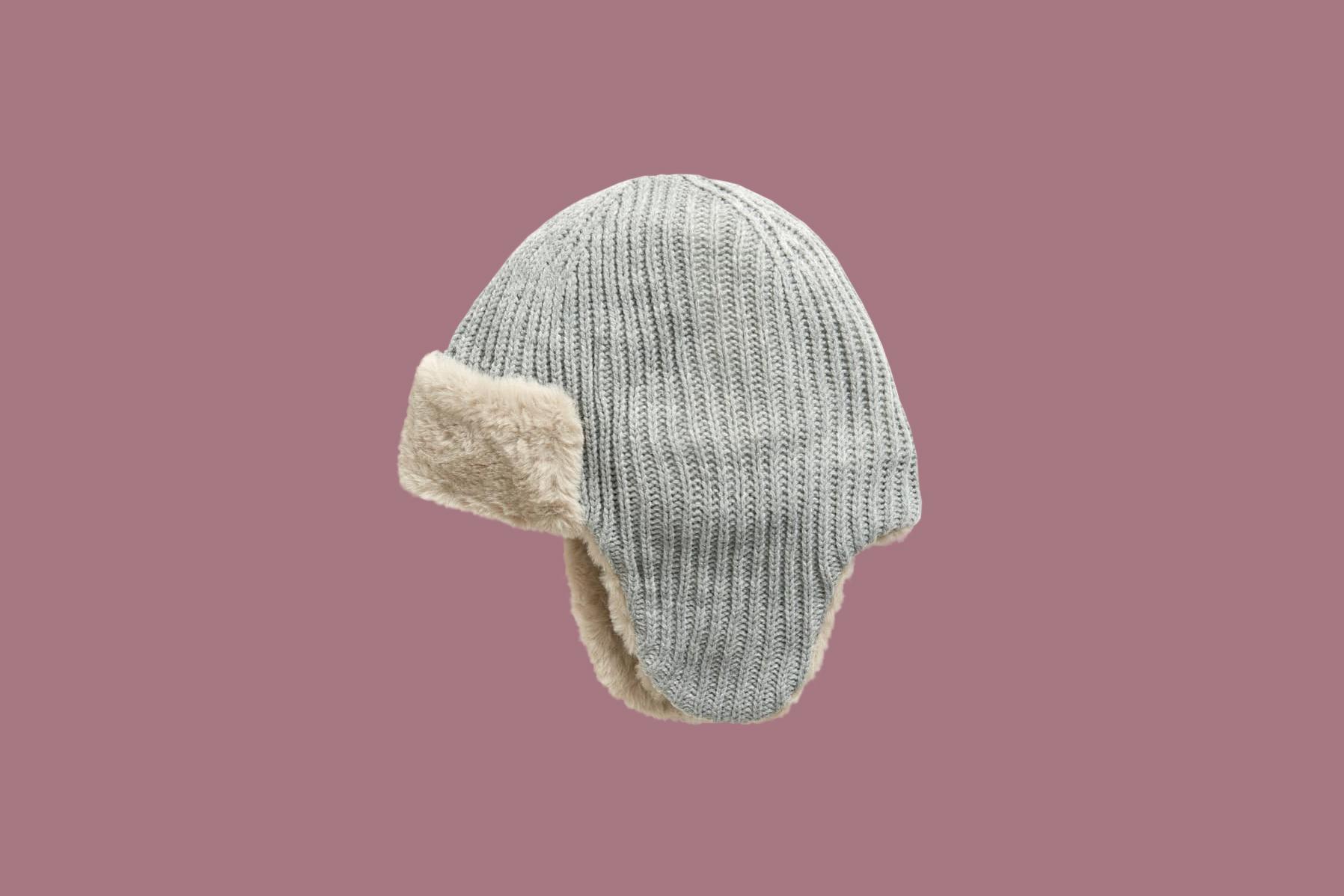 gray knit hat