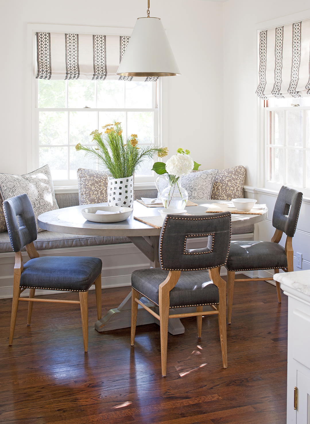 Why Your Kitchen Needs A Built-In Banquette