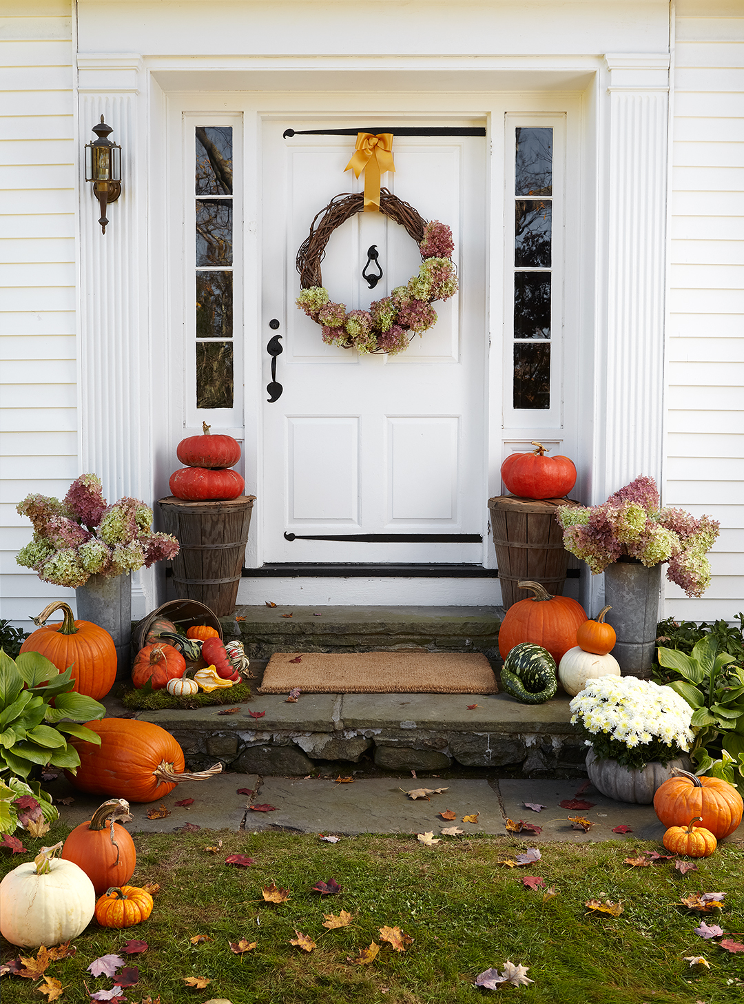 36 Pretty Fall Front Entry Ideas You Can Keep Up All