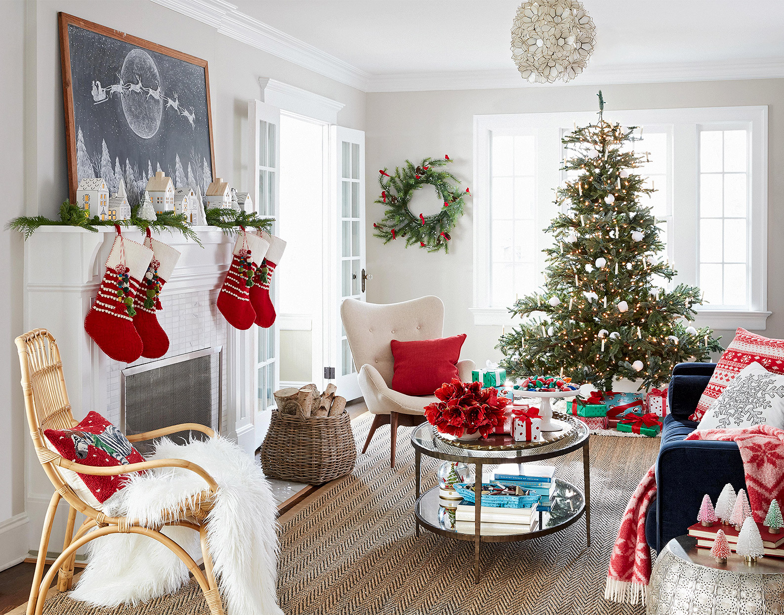 35 Pretty Christmas Living Room Ideas to Get You Ready for ...