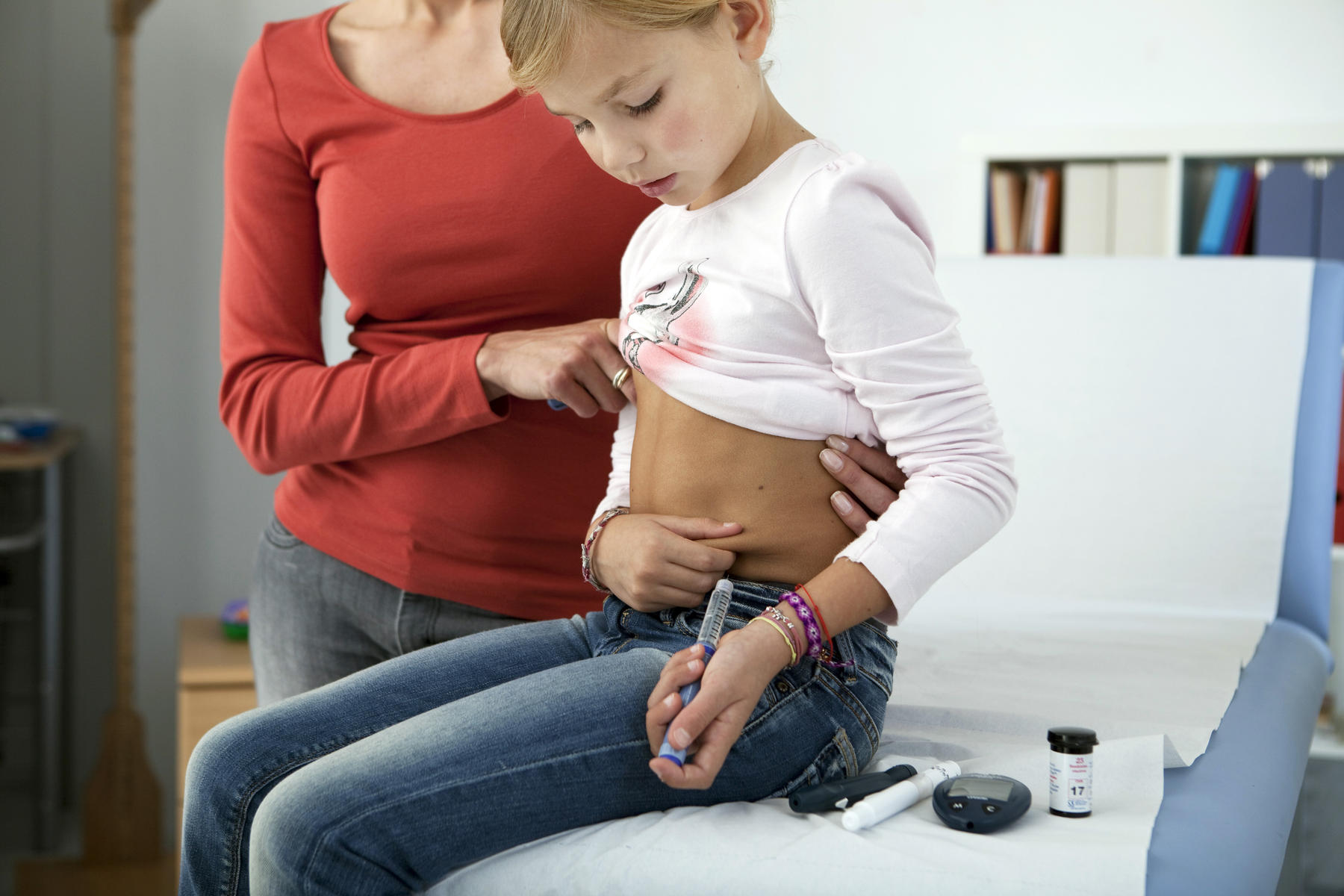 little girl with diabetes