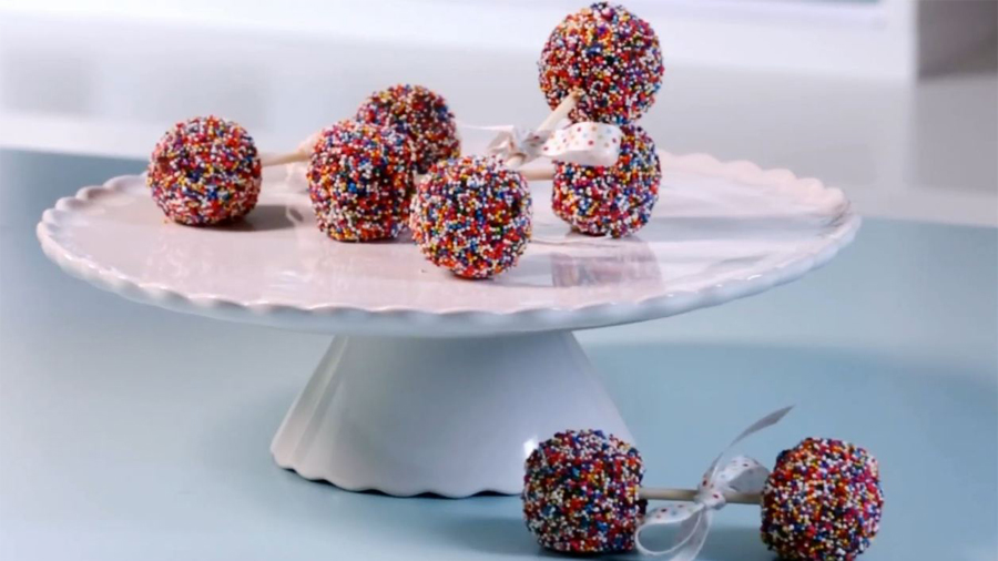 Baby Shower Ideas: How To Make Brownie-Pop Rattles