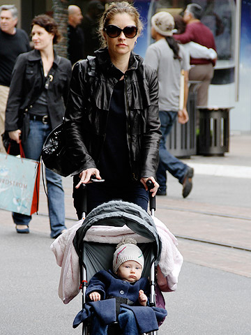 Rebecca Gayheart with her daughter Billie Beatrice DaneRebecca Gayheart with her daughter Billie Beatrice Dane