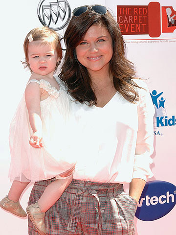 Tiffani Thiessen and her daughter