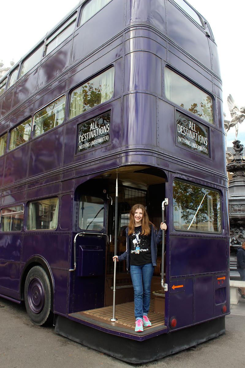 knight bus at wizarding world of harry potter