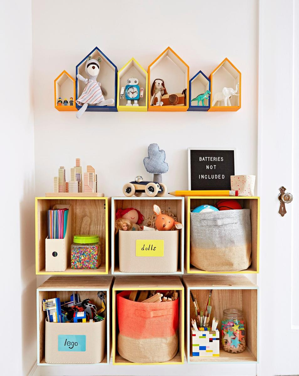Amanda Kingloff Bookshelf Storage