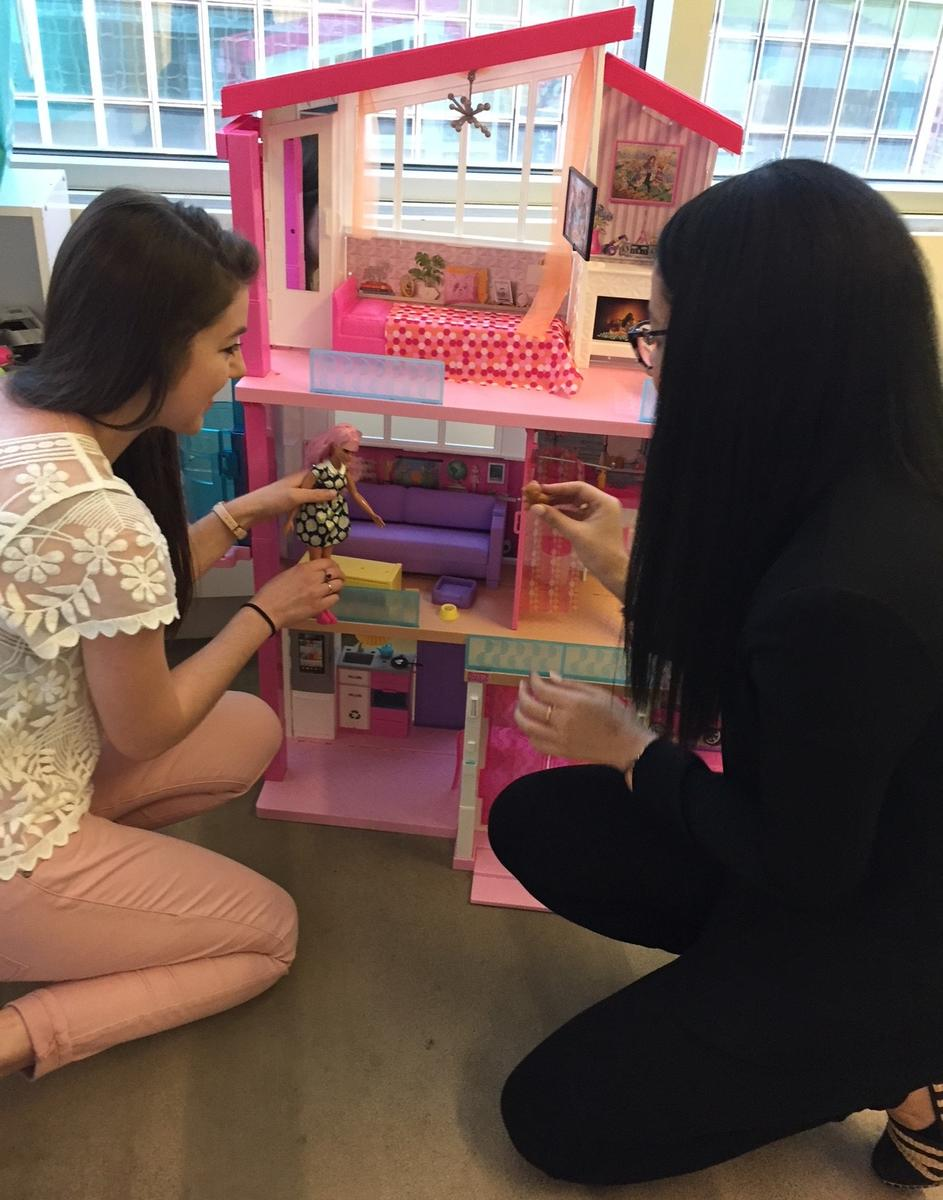 Parents Editors Play with 2018 Barbie Dreamhouse