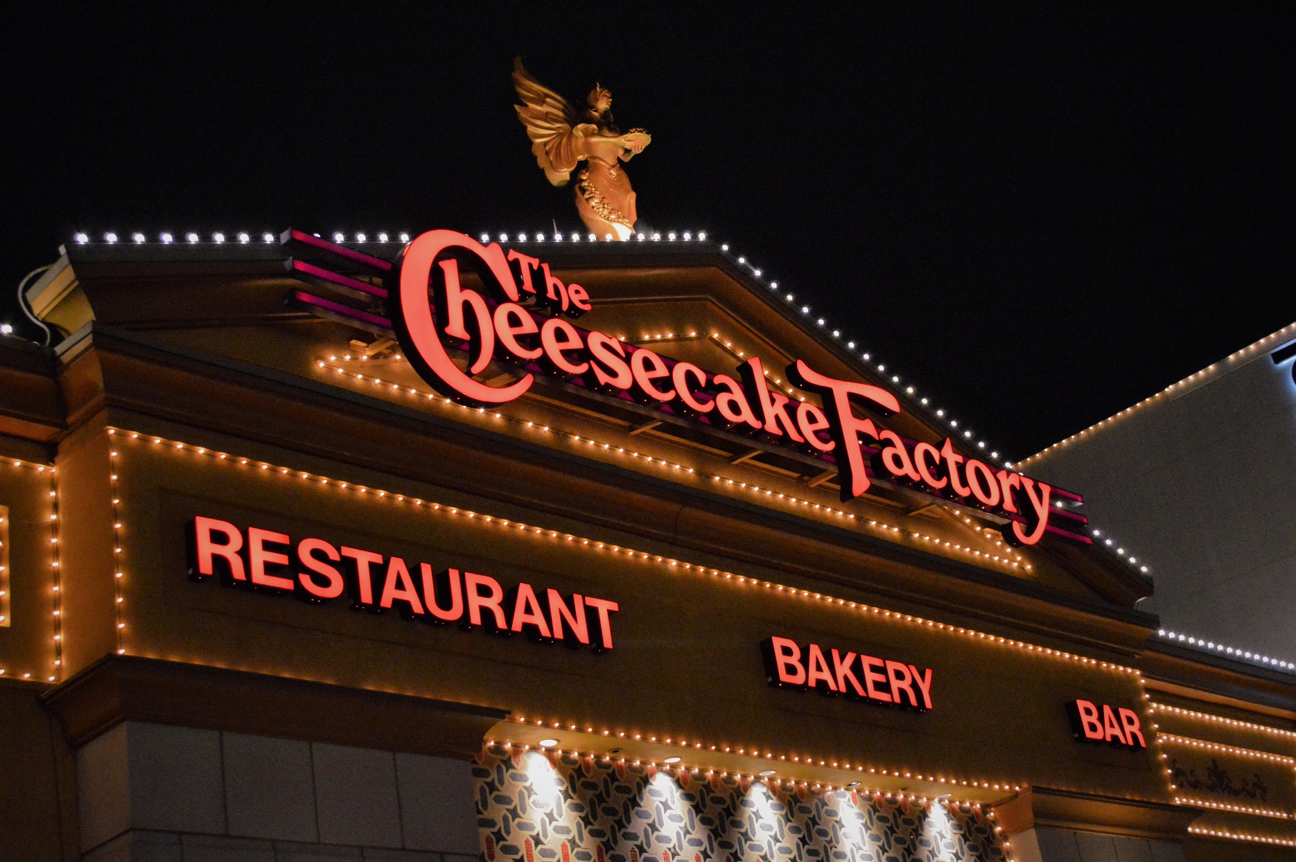 The Cheesecake Factory Restaurant Front Lights