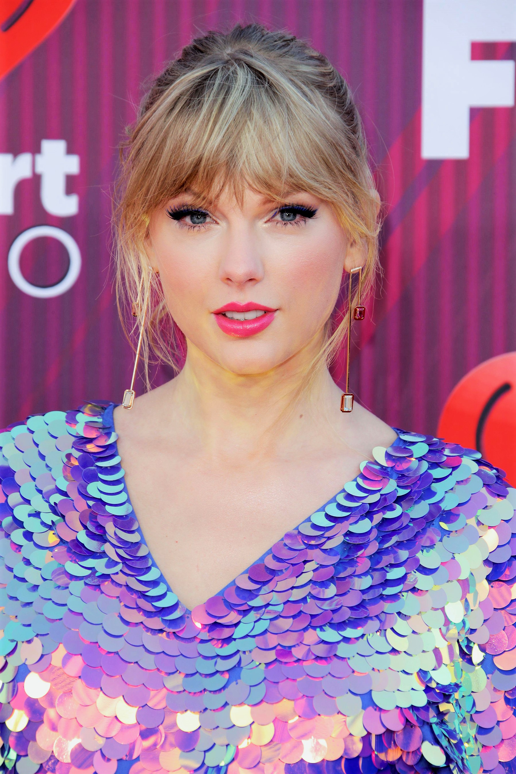 The Internet Is Coming to Taylor Swift's Defense After an Alt-Right Troll Tweeted About Her Egg Count