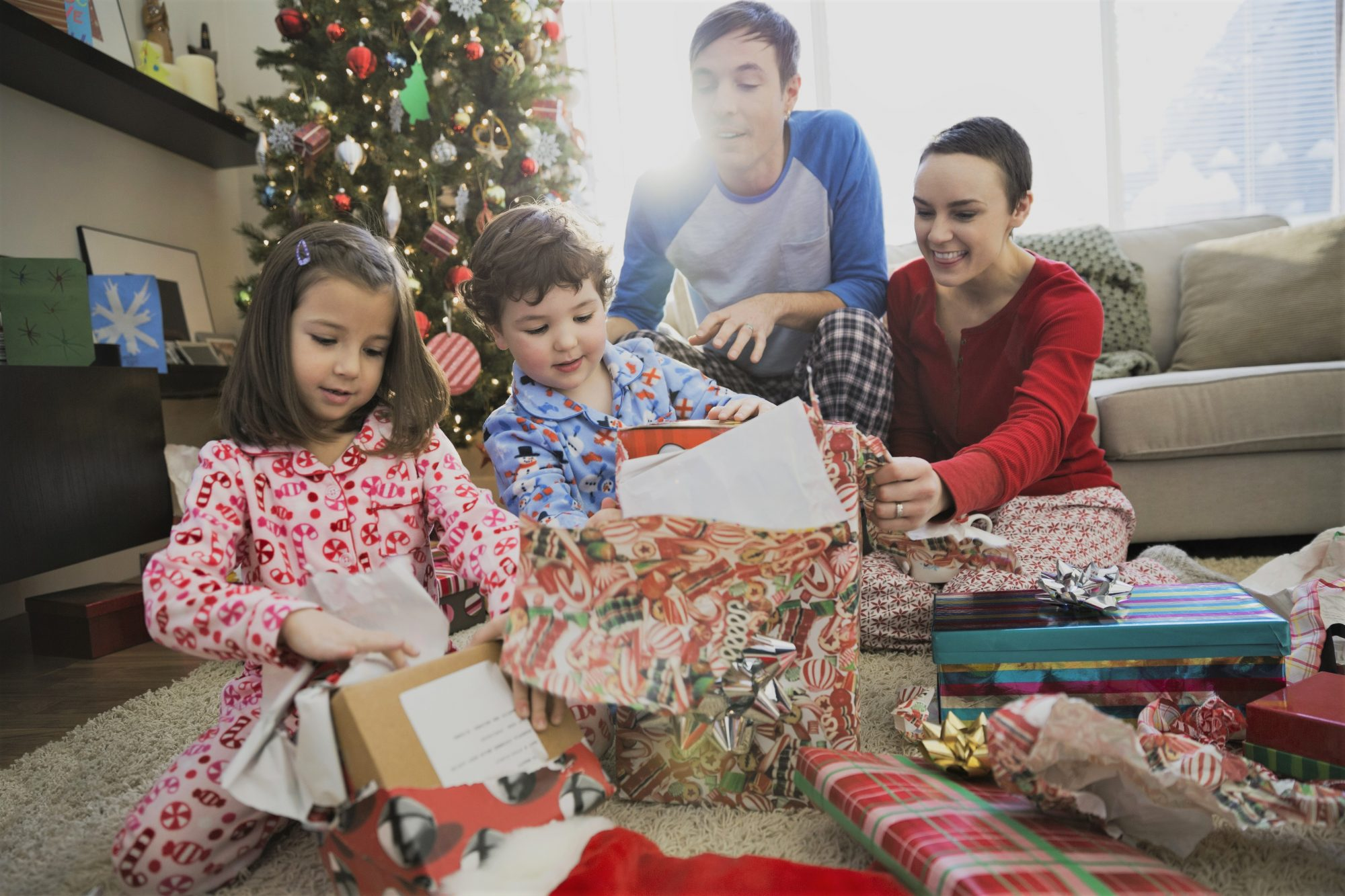 7 Charities That Help Parents in Need Over the Holidays