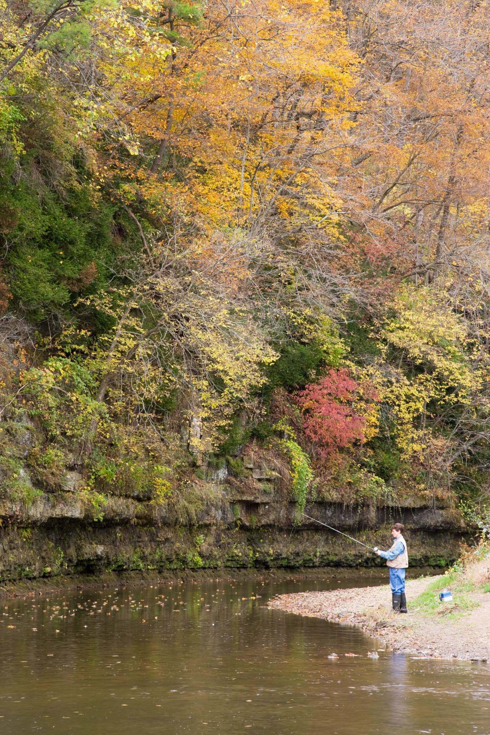 Apple River Canyon State Park, Illinois: 146 miles west of Chicago