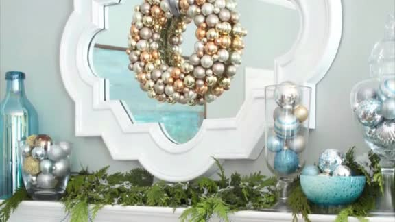 One-Minute Inspiration: Christmas Mantels