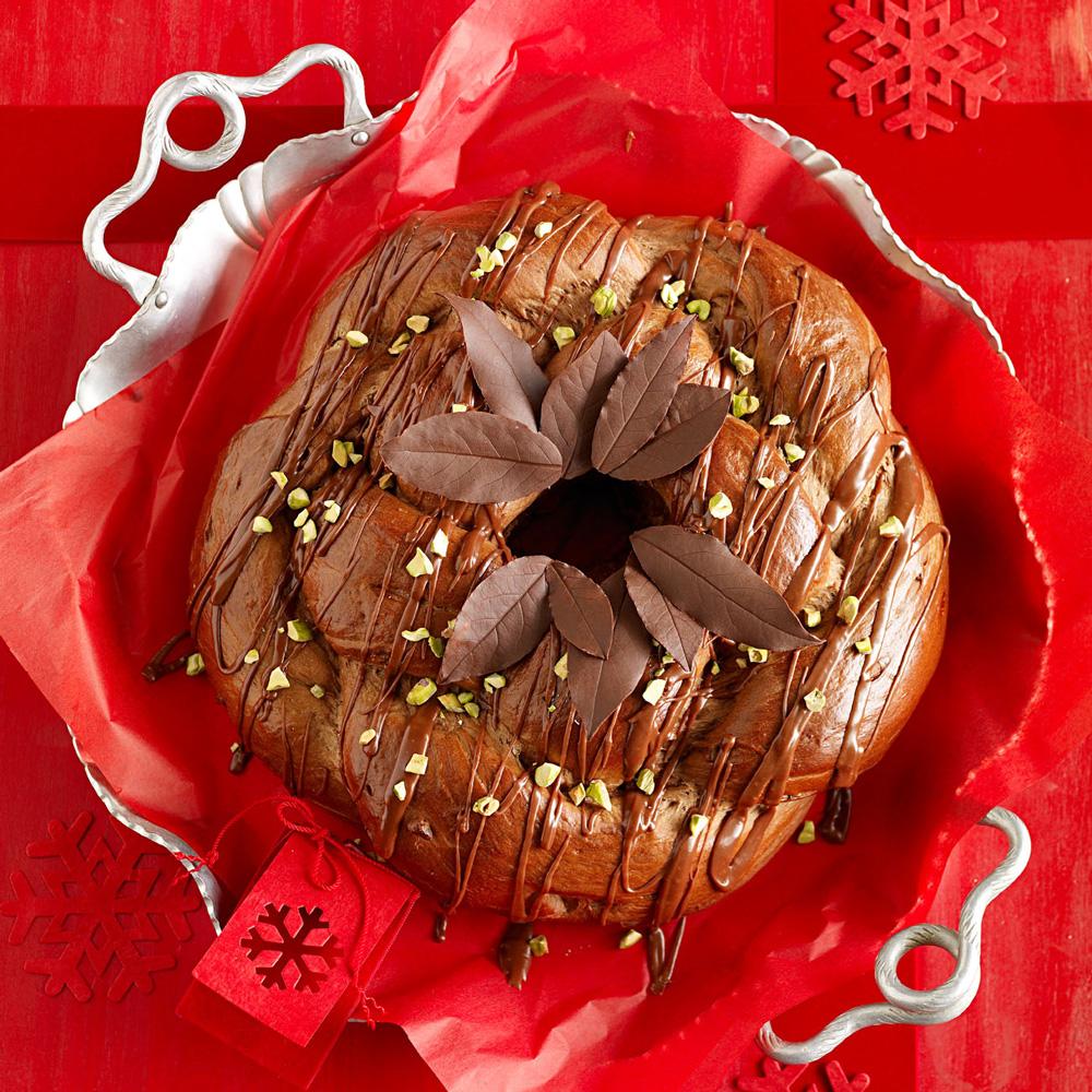 Chocolate-Pistachio Wreath Bread recipe