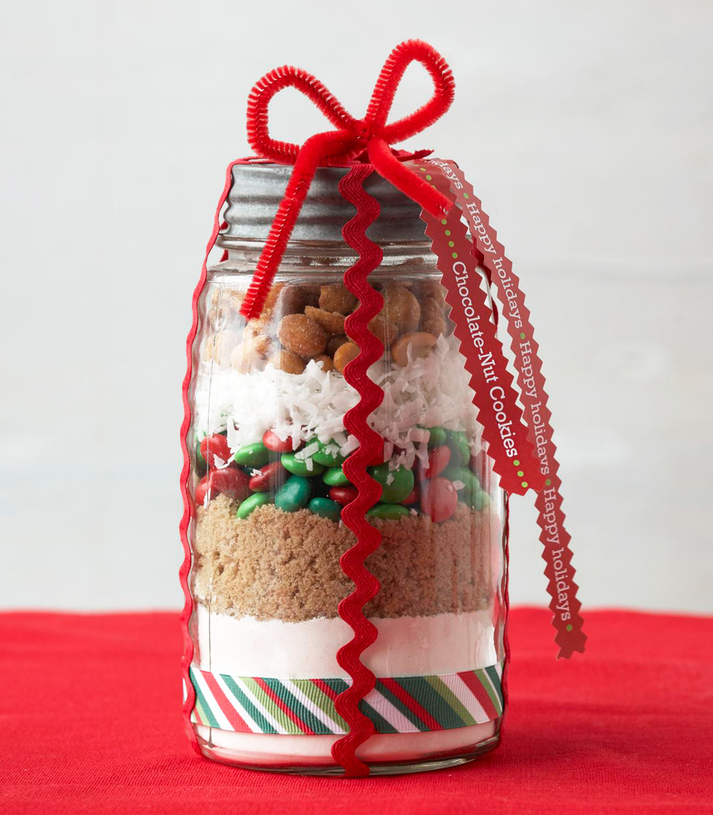 Gift in a jar: Chocolate-Nut Cookies