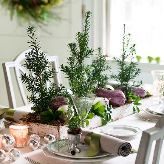 Christmas centerpiece ideas: tiny trees