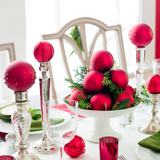 Christmas centerpiece ideas: ornaments