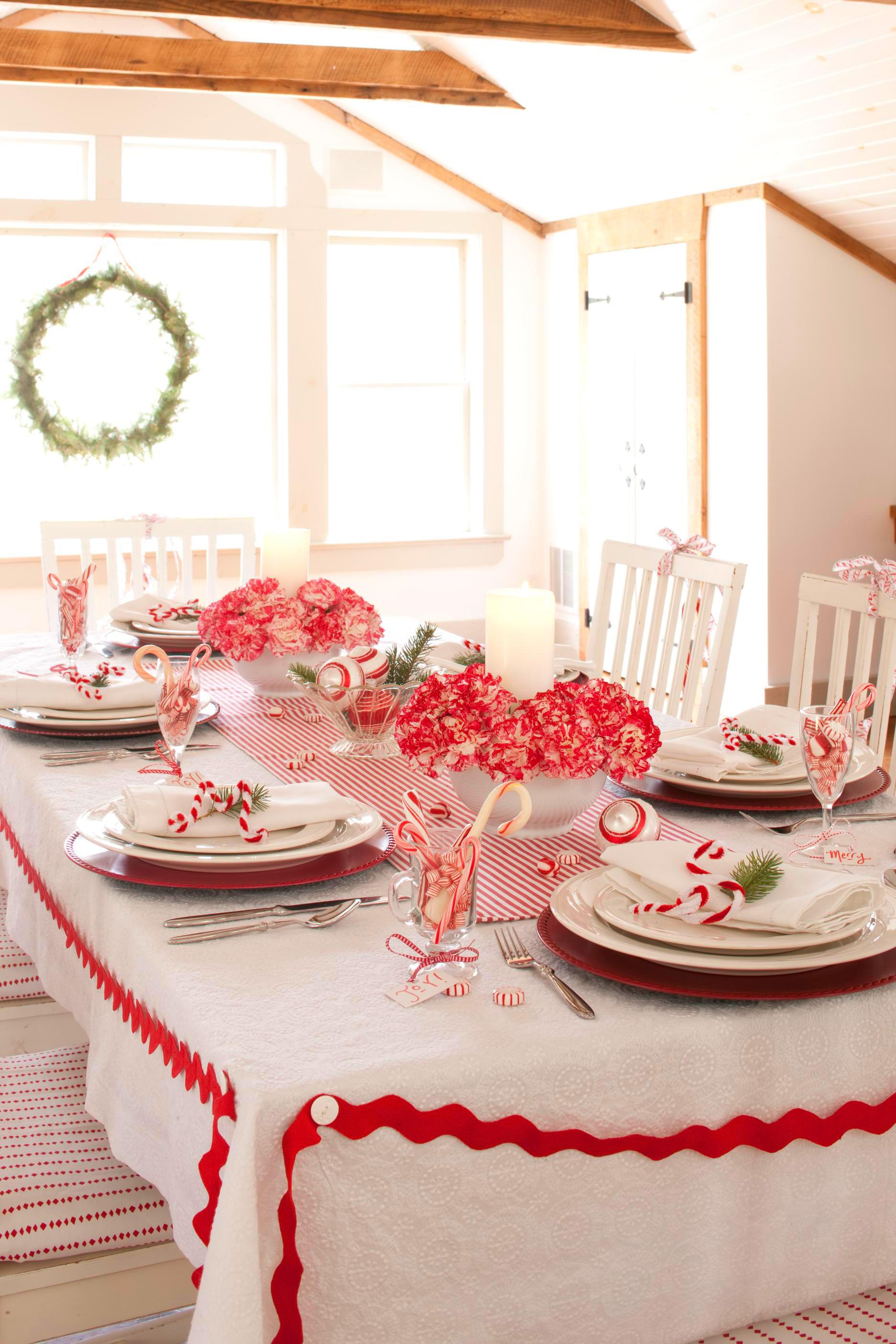 Christmas centerpiece ideas: carnations