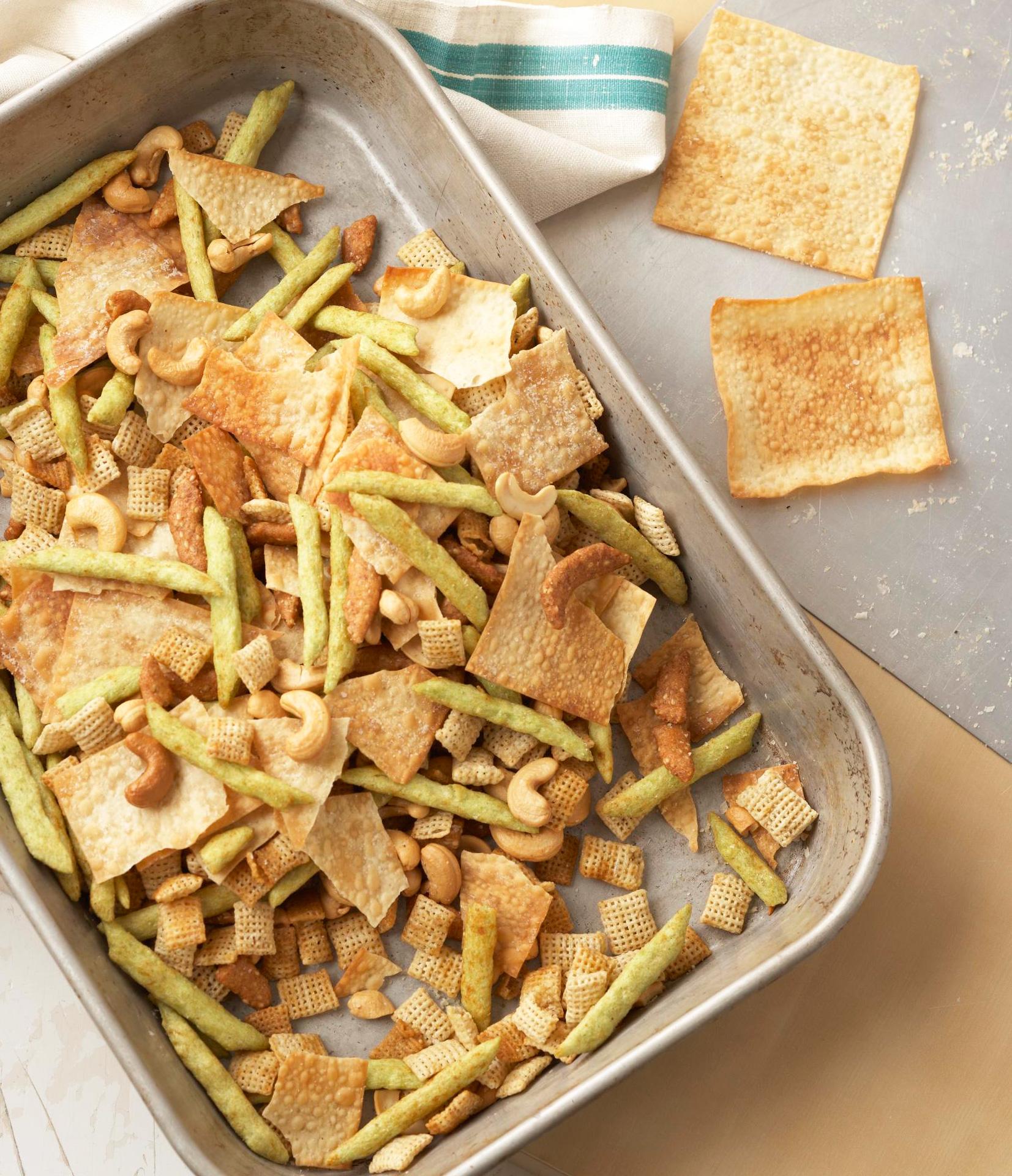 Crunchy Asian Snack Mix