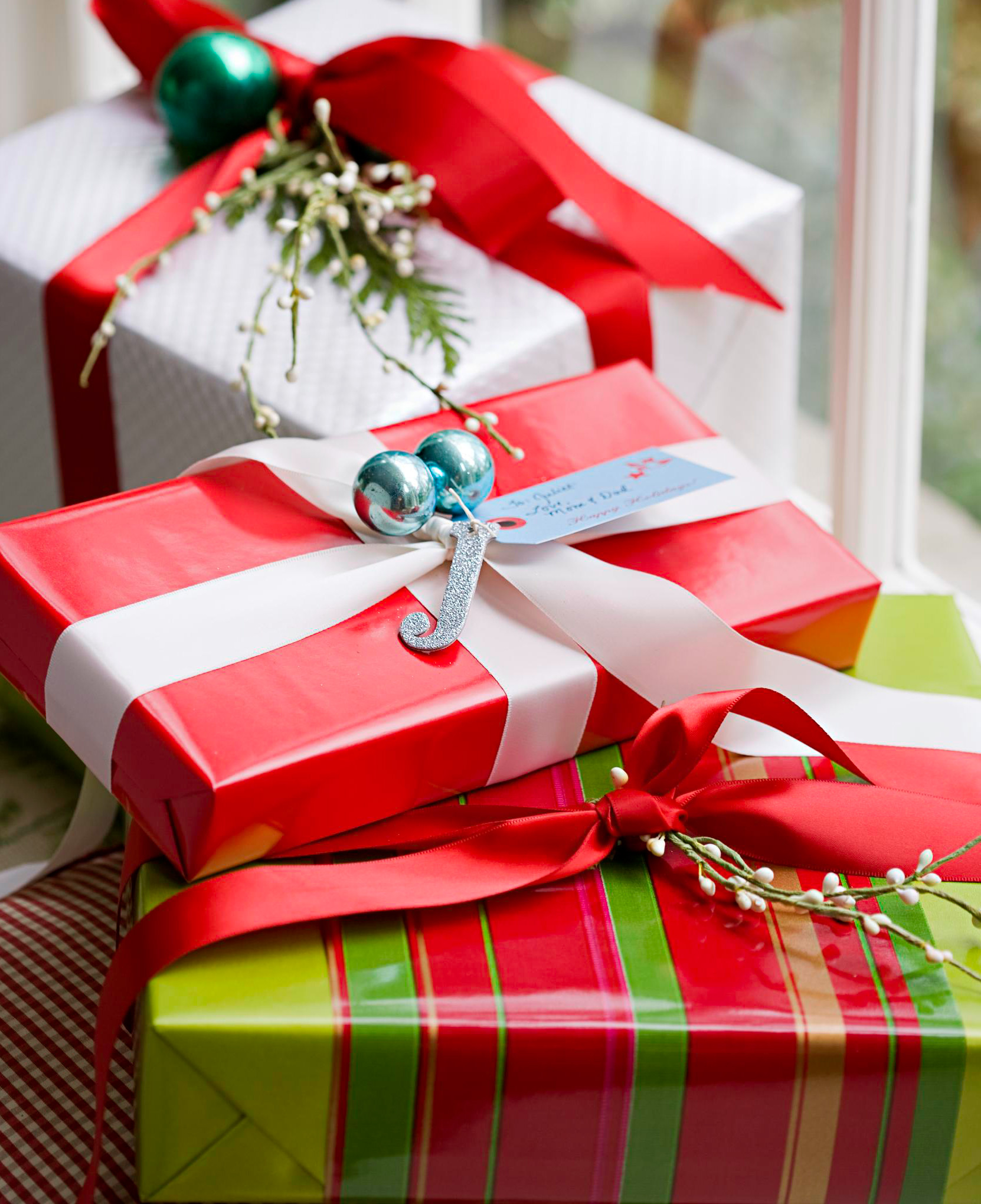 Decorate a present