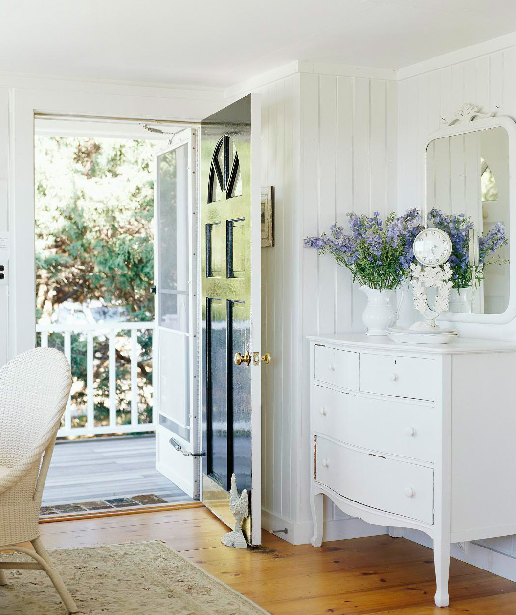Paint small spaces