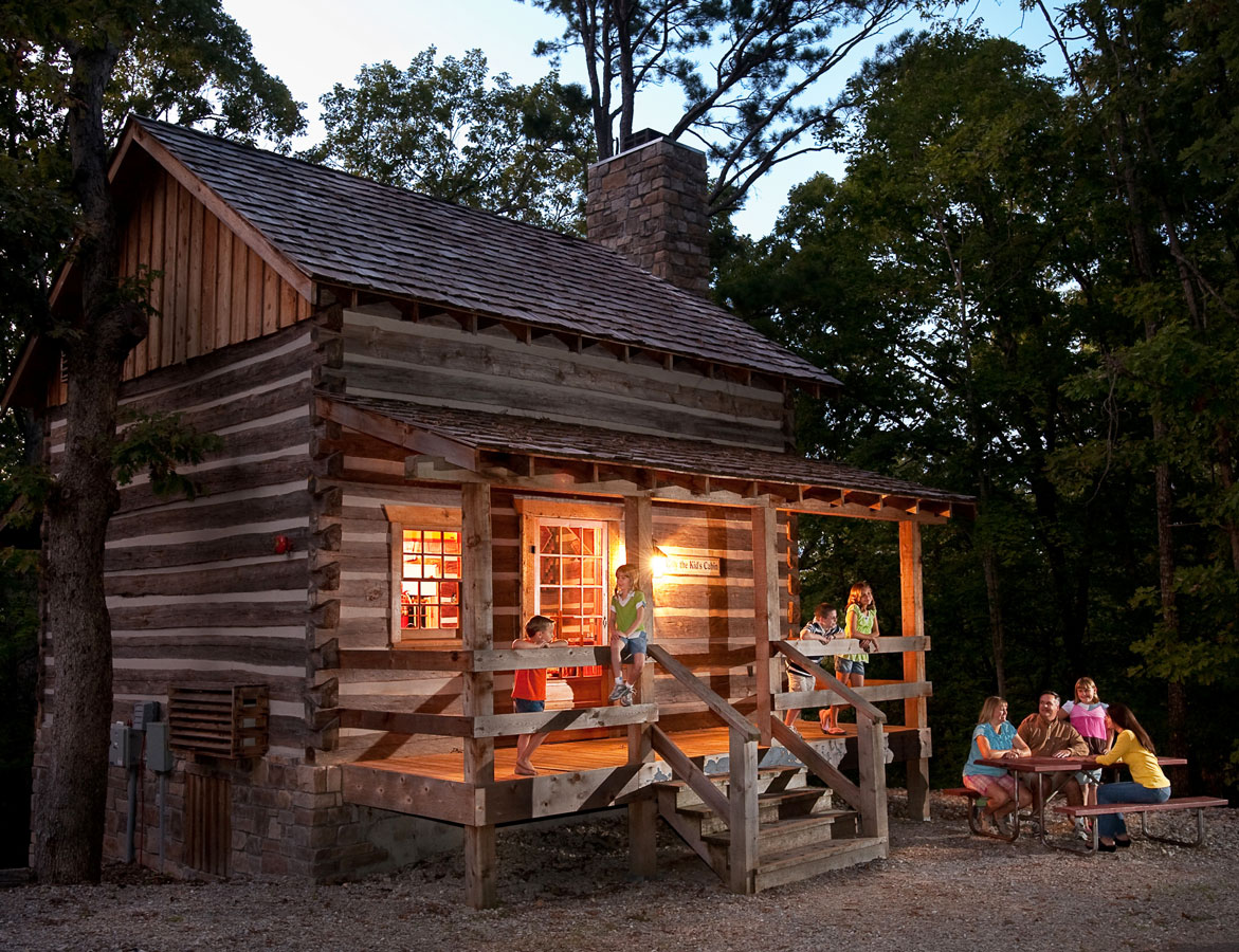 Branson, Missouri: Silver Dollar City's Wilderness