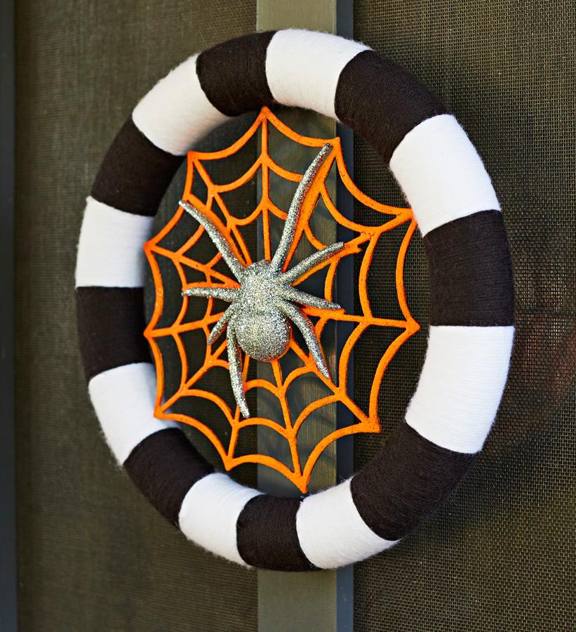 Stylish stripes wreath