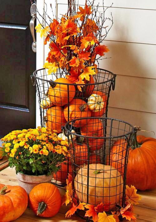 Wire basket outdoor display