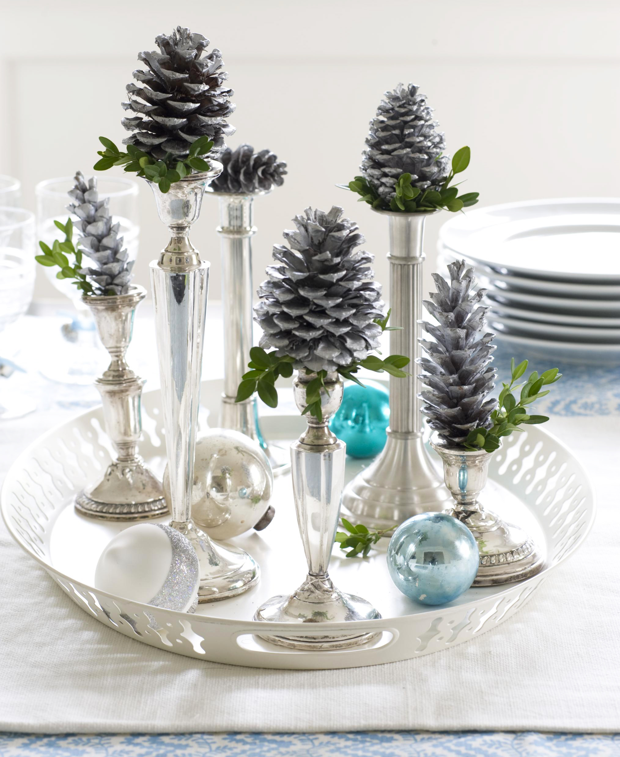 Christmas centerpiece ideas: silver candlesticks