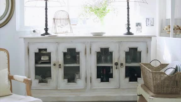 One-Minute Inspiration: Decorating with White
