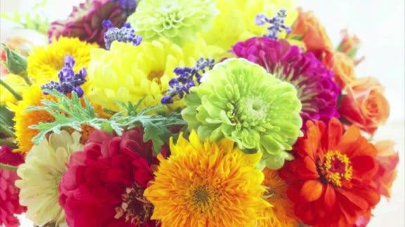 One-Minute Inspiration: Summer Flower Arrangements