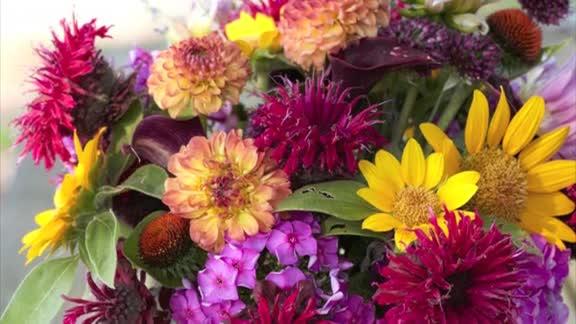 How To: Make a Fresh-Cut Bouquet