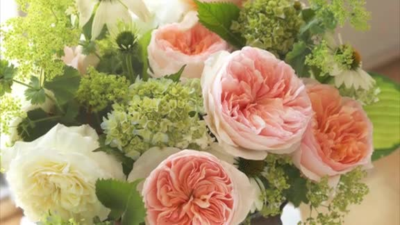 How To: Build a Rose Bouquet
