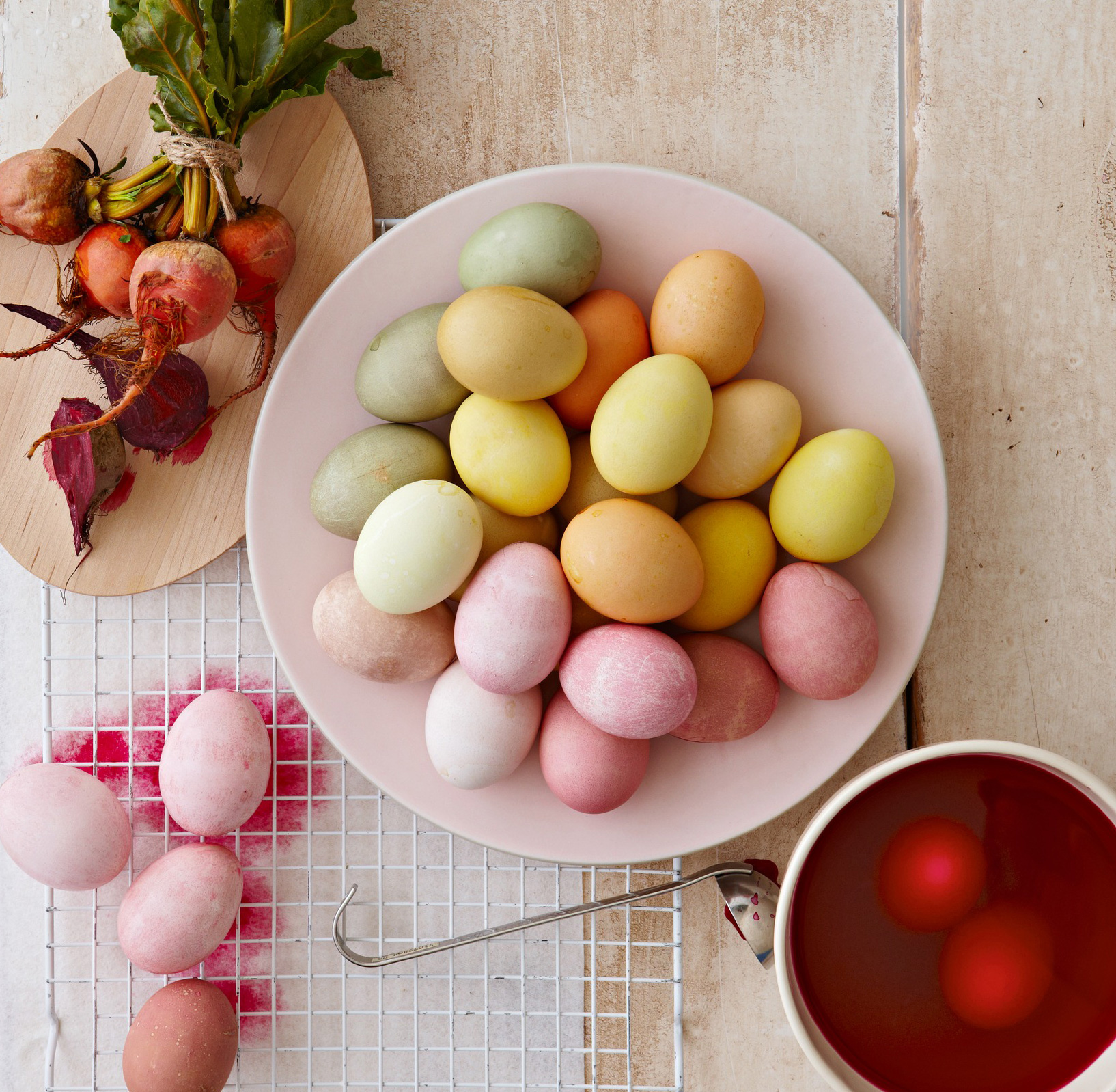 Eggs with natural dye