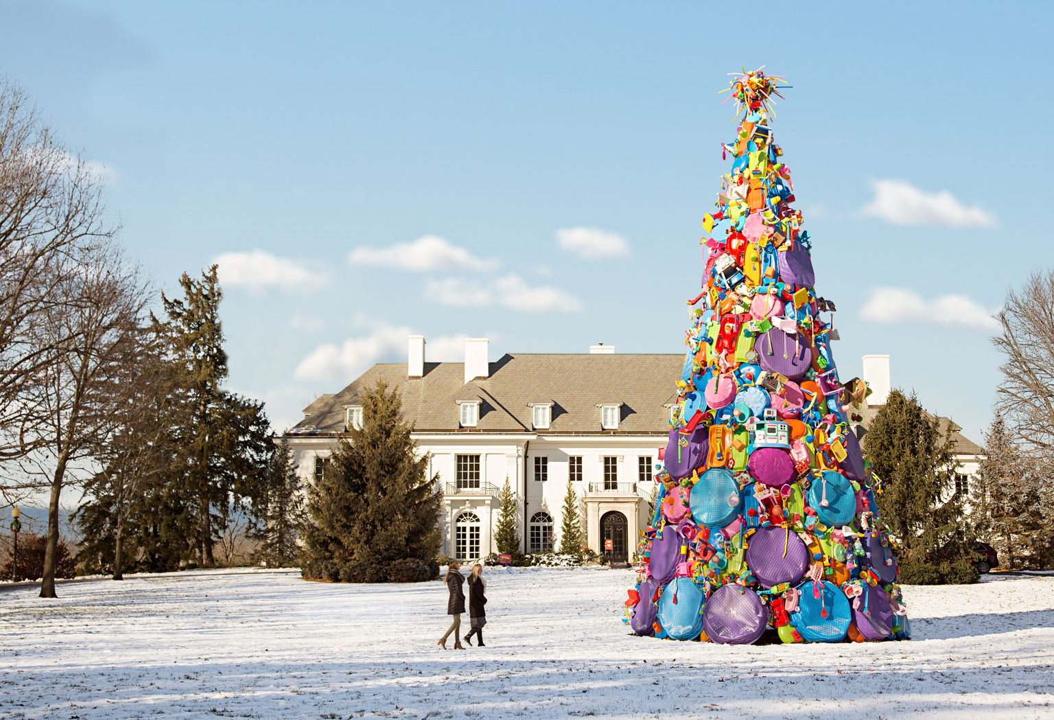 50-foot tree of toys