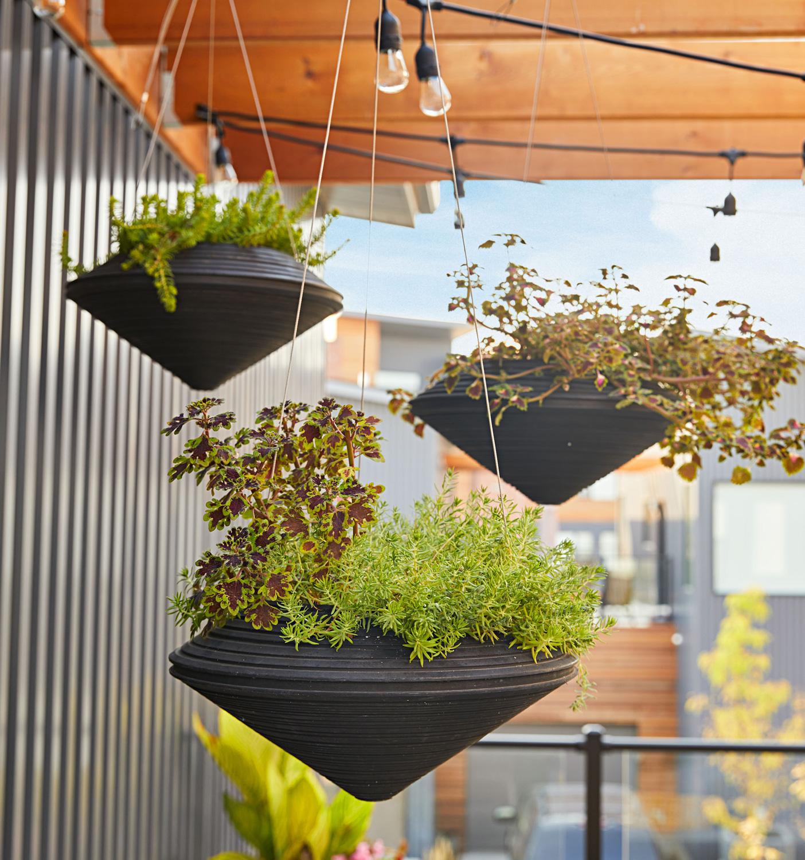 Resin hanging baskets