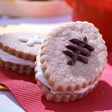 Banana-Nut Sandwich Cookies