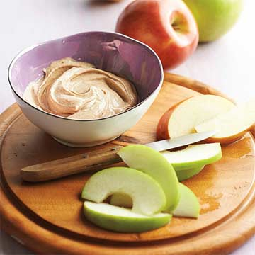 Apples with Maple-Cinnamon Dip