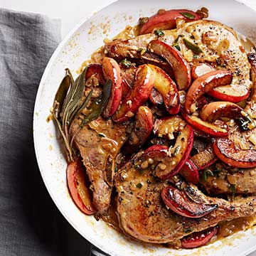 Flash-Braised Pork Chops with Apples and Cream