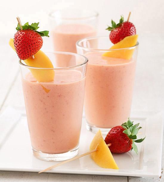 Mango-Strawberry Smoothie