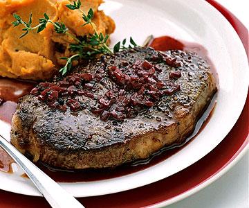 rib-eye steaks with red wine sauce