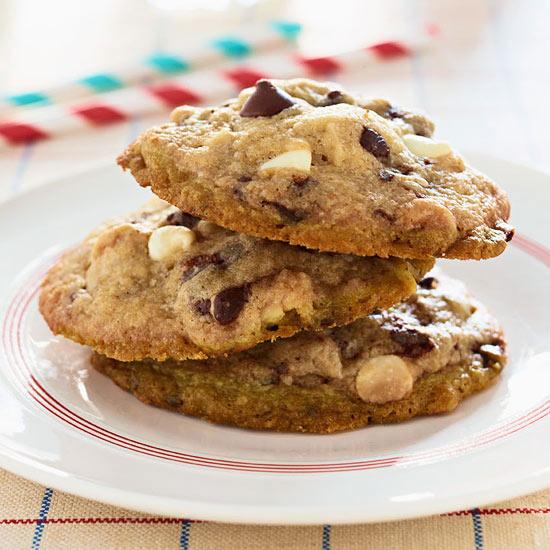 Mama Kaye's White and Dark Chocolate Chip Cookies