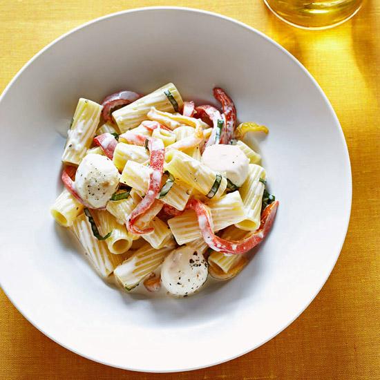 Rigatoni with Creamy Pepper Sauce