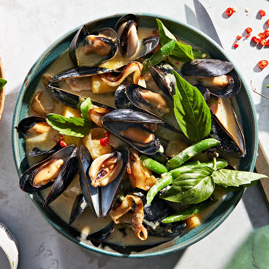 fresh thai-style mussels in bowl