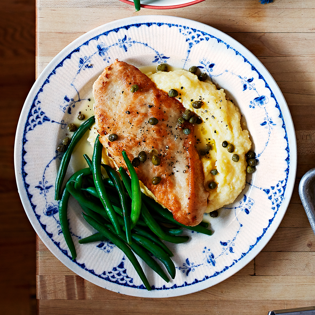 Chicken Piccata with mashed potatoes and green beans