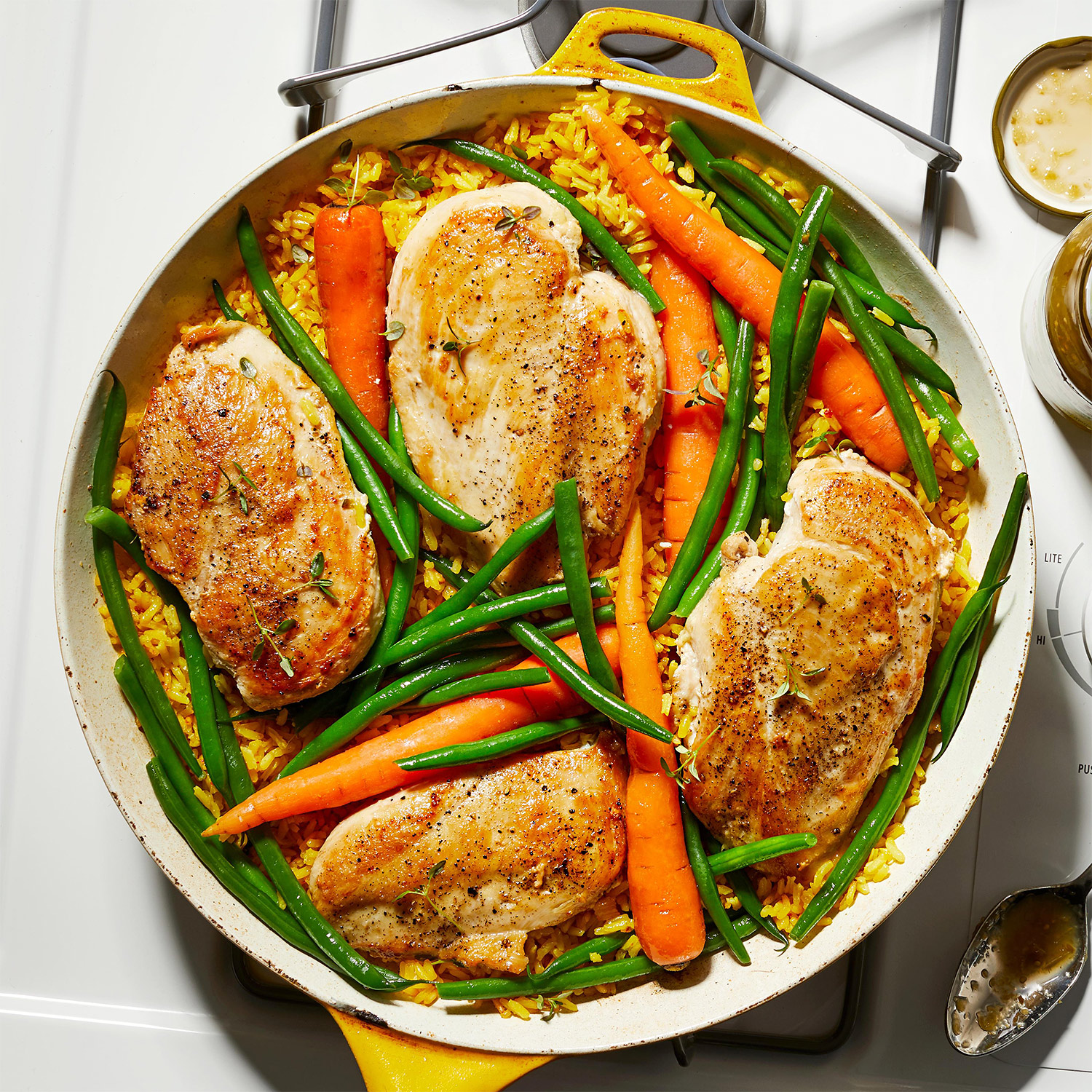 chicken breasts with carrots and beans
