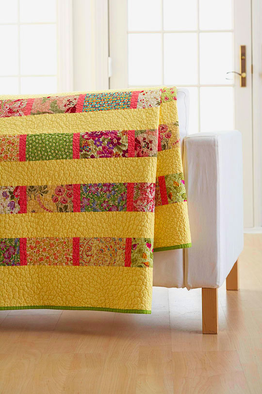 Fat Quarter Twin-Bed Quilt