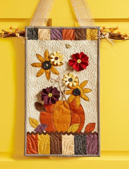 Seasonal Door Hanger
